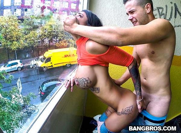 на встречные первый порно улице